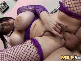 Uncultured Tits MILF Daphne Rosen Gets Anal