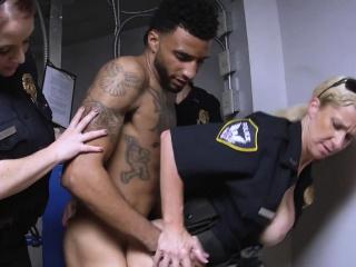 Busty cops make Gaunt D tire their hor