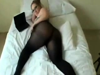 Accommodative blonde sandy in nylon scalding solo teasing act