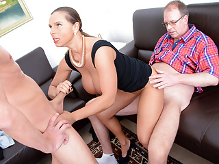 Amateurish EURO - Big-busted Perk up Babe Sandwiched By Oversexed Germans