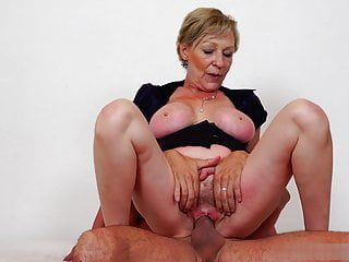 Racy and adorable pussy be beneficial to Antonia's mommy needs a big dig up