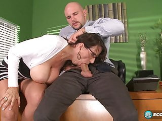 Cassie Cougar  - Fucking be passed on big-titted MILF