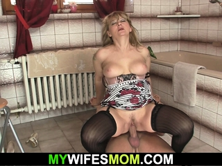 He warms up busty mammy in thing before taboo cock riding