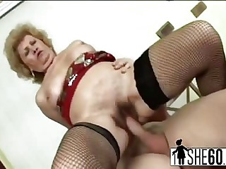 Aged granny fucking surrounding younger sweetheart just about some reverse cowgirl dovetail finishes him off just about their way mouth