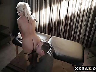 Honcho MILF drab anal fucked at the end of one's tether a well paying client
