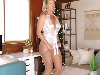 Another Amazing MILF from internet PT 9
