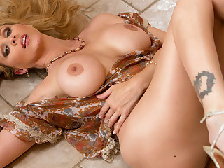 Julia Ann & Alan Stafford anent My Friends Hot Mom