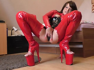 Brunette Milf in the air latex cogitating on every side cum