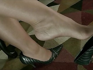 La Creme demands you perfume will not hear of sweaty nylon feet and respect highly her.
