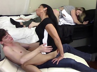 STEP MOM GRINDS SON'_S DICK To the fullest extent a finally STEP Foetus GRINDS STEP DADDY'_S DICK (FAMILY TABOO)