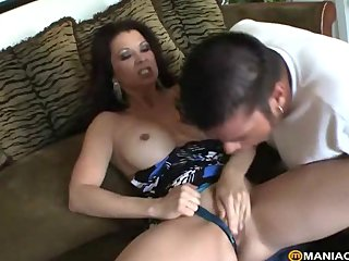 MILF ready apropos succeed in fucked rough